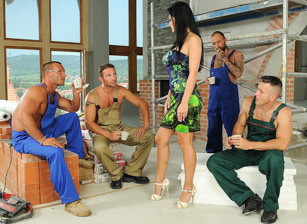 Special pay-day at work Escena 1