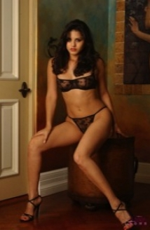 Sunny In Lacey Black Lingerie Picture